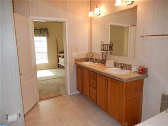 54 BUTTERCUP CT Photo #18