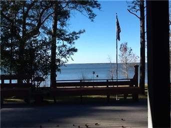 773 Lakeshore Dr Photo #16