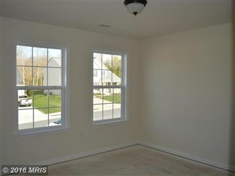 207 KANTER DR Photo #18