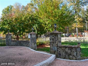 16711 Fairfax Drive Photo #28