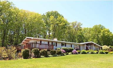 11 Oak Terrace Photo #1
