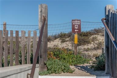 125 Surf Way #417 Photo #23