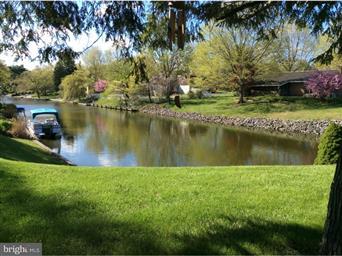 399 Lake Drive Photo #1