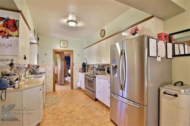 2142 Idlewild Street Photo #7