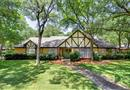 709 Oakmont Lane N, Fort Worth, TX 76112