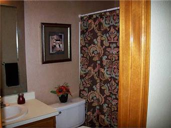 5512 Amberwood Place Photo #15