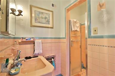 2142 Idlewild Street Photo #27