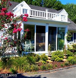1008 Riverview Terrace Photo #2