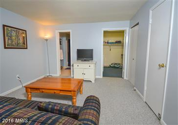 4 Lakeview Court Photo #13