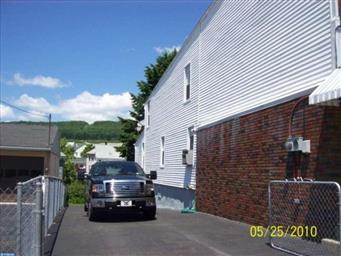 317 E Bertsch Street Photo #3