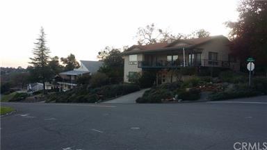 5470 Royal Oaks Drive Photo #2