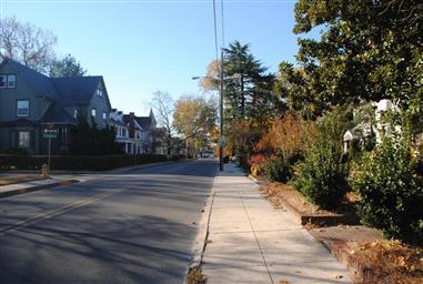 326 N Division Street Photo #18