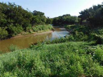 8411 River Run Drive Photo #1