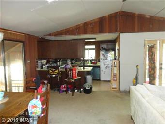 4221 Lakeview Parkway Photo #8