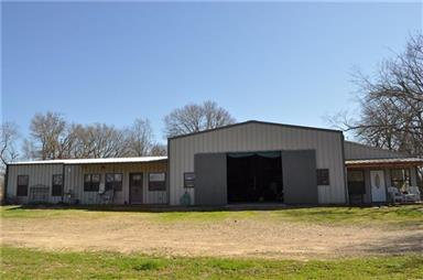 676 Farm Road 2653 N Photo #12
