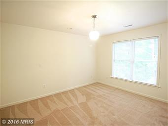 603 Lakeview Parkway Photo #8