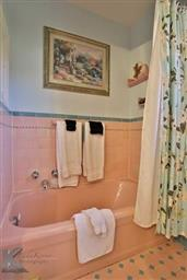 2142 Idlewild Street Photo #28