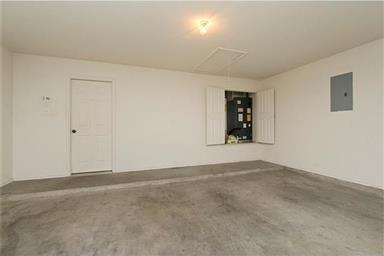 2401 Griffin Drive Photo #25