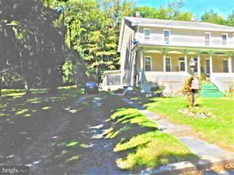 5 Oak Street Photo #1
