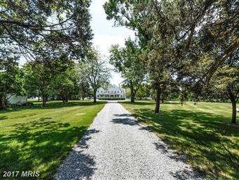 5733 Pecks Point Road Photo #2