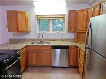 3802 Lakeview Parkway Photo #12