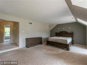 1002 Horizon Way Photo #26