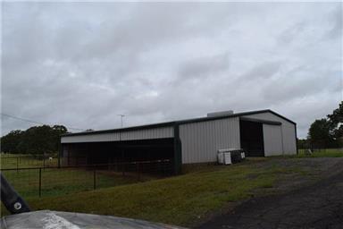 814 County Road 2906 Photo #20
