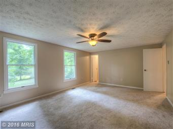 10454 Eisenhower Drive Photo #21