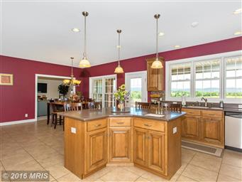 13728 Clear Spring Road Photo #12