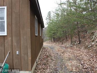 609 WHIPPOORWILL LN Photo #16