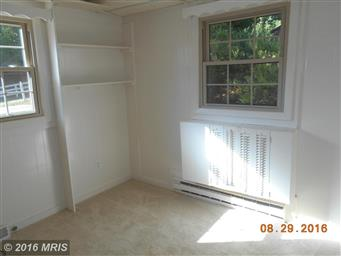 180 LAUREL DR Photo #11