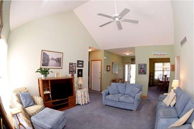 425 Mannering Drive Photo #11