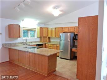 3802 Lakeview Parkway Photo #11