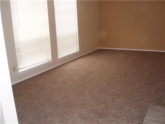 5825 Clydesdale Drive Photo #2