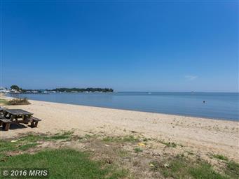 366 Shore Dr Photo #4