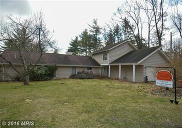 656 White Oak Drive Photo #2