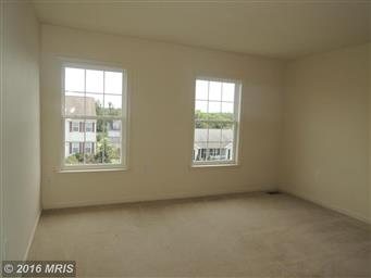 512 Larkspur Lane Photo #27