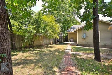 1382 Amarillo Street Photo #23