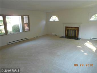 180 LAUREL DR Photo #2