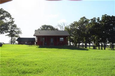 814 County Road 2906 Photo #9