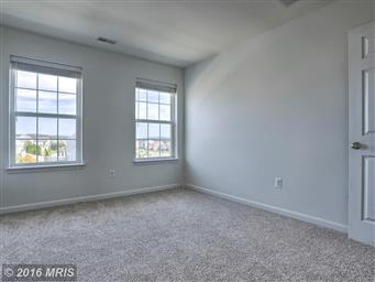 153 W IMPERIAL DR Photo #20