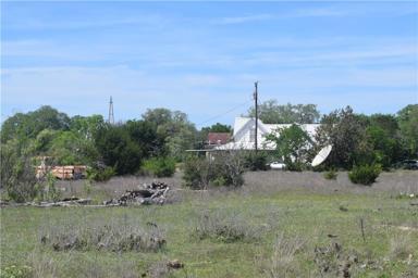859 County Road 4190 Photo #1