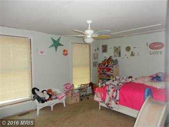 4221 Lakeview Parkway Photo #11
