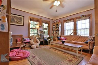 2142 Idlewild Street Photo #21