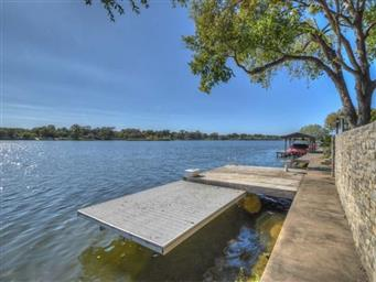 313 MEADOWLAKES DR Photo #9