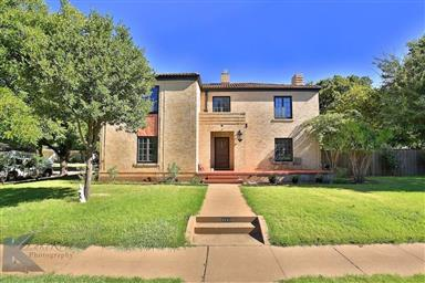 2142 Idlewild Street Photo #1