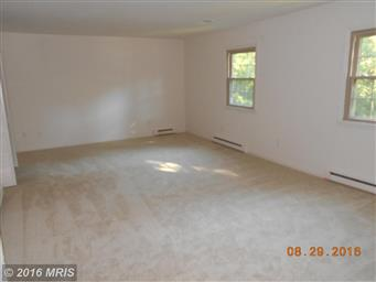 180 LAUREL DR Photo #3