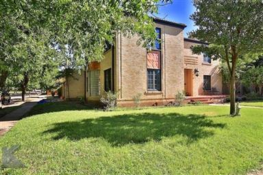 2142 Idlewild Street Photo #3