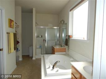 1520 Lakeview Parkway Photo #12