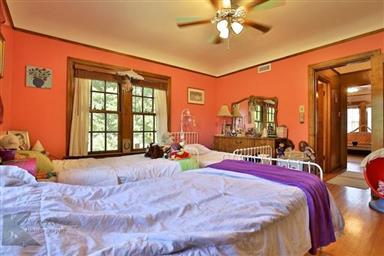 2142 Idlewild Street Photo #22